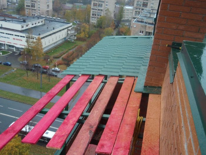 Монтаж обрешетки балкона